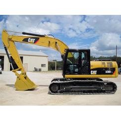 Аренда экскаватора Caterpillar 320 DL в Гатчине, Санкт-Петербурге и Ленобласти