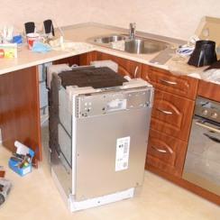 УСТАНОВКА И ПОДКЛЮЧЕНИЕ ПОСУДОМОЕЧНОЙ МАШИНЫ, цена на услугу по подключению посудомоечной машины